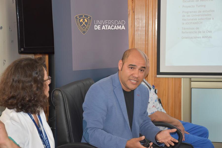 Equipo Directivo de la FACMED presentó Proyecto Académico en el Hospital de Huasco